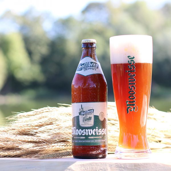 Hallbergmooser-Brauspezialitaeten-Shop-Moosweiss-Flasche-Glas